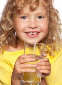 Un goût agréable: le MiniTuner Water libère votre eau potable des atteintes environnementales.